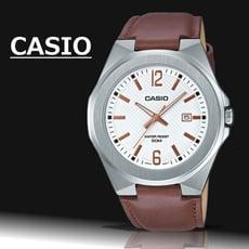 CASIO 立體造型錶殼時尚皮帶男錶(白)_MTP-E158L-7A