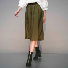 【Hedy赫蒂】親膚材質有口袋 鬆緊腰 前一片式寬口褲裙(軍綠/黑)F