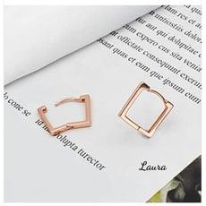 -Laura- 韓版易扣耳環 方形 1入=1對出售