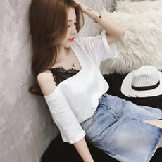 夏季女裝韓范蕾絲拼接v領上衣露肩白色半截袖t恤女五分袖洋氣小衫1入