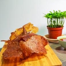 【黑胡椒/蒜味薄片肉乾】不同於傳統的厚片肉乾, 薄薄的一片... 名產 伴手禮 年節禮盒【胖胖豬】