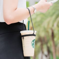 【Bone 官方】環保杯綁 飲料提袋  - 簡約黑 / 簡約白(二入組)