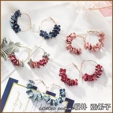 『akiko亞希子』甜美氣質手作布藝花瓣造型耳環