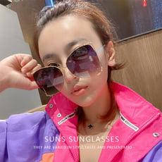 歐美流行大框簍空滾動珍珠金屬墨鏡 英倫復古都會城市名媛 超大鏡面顯小臉時尚太陽眼鏡