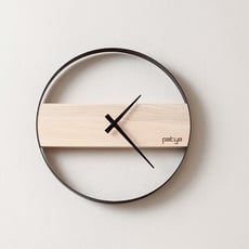 【PATYA - 打鐵仔 - 創意居家用品系列】哇塞太美了實木靜音時鐘