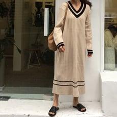 韓版寬鬆v領長版毛衣撞色針織連身裙CNTOP