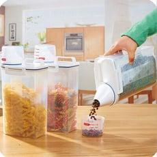 PUSH!廚房居家用品儲米桶箱密封防蟲防潮加厚塑膠米桶雜糧儲存桶附量杯2KG I70