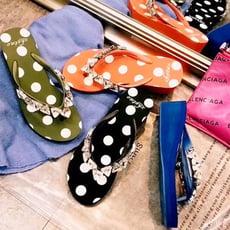 (女)韓國熱銷圓點幾何水鑚寶石增高厚底夾腳涼拖鞋 藍/黑 他她好鞋網