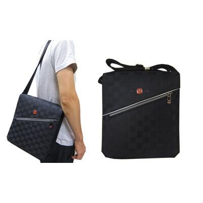 肩側包中容量磁扣蓋式主袋防水尼龍布+皮革主袋內五層+外袋共八層肩背可斜側背中性款