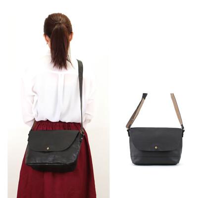 側背包 日本復古仿油蠟皮女用斜背包 肩背包通勤包郵差包